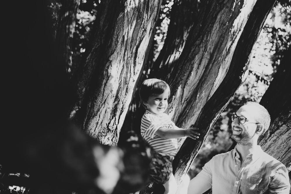 Vater+Kind+klettern+sonne